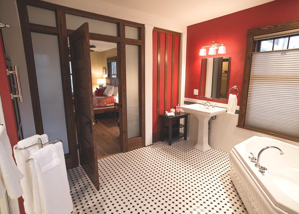 Bath_3_r2_1400px.jpg