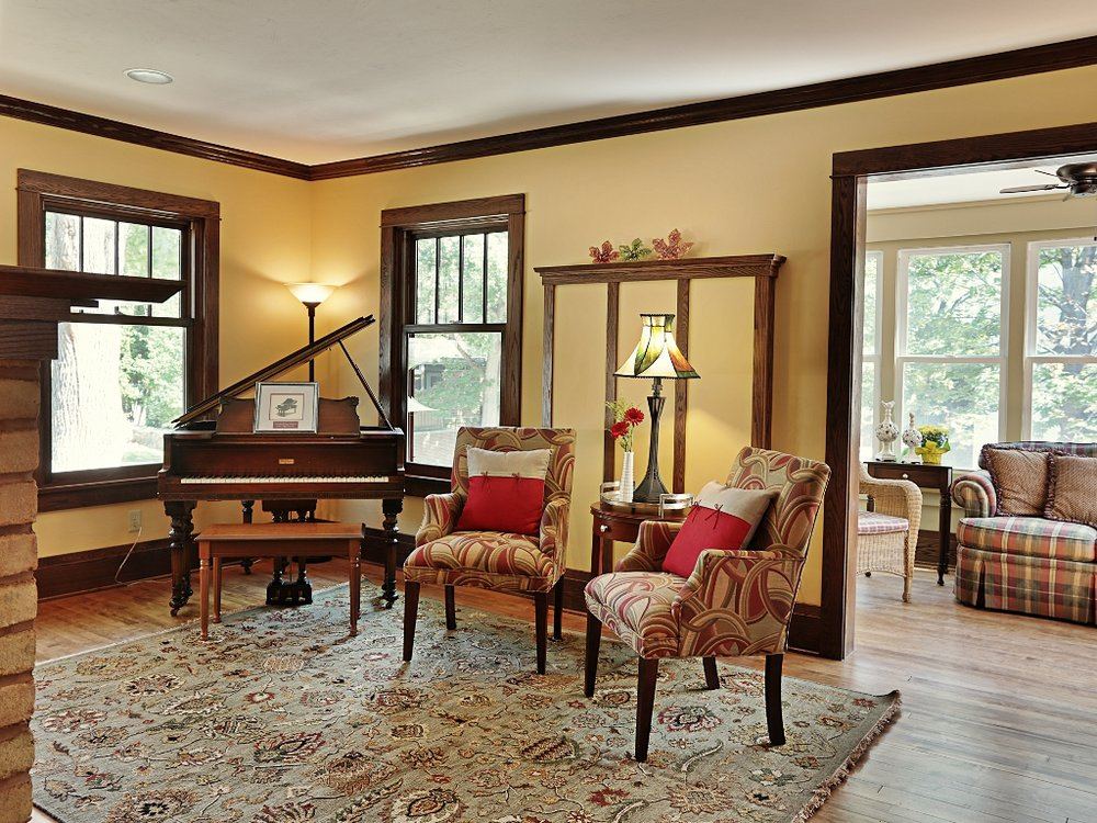 The Buckingham Inn Common Area Living Room.jpg