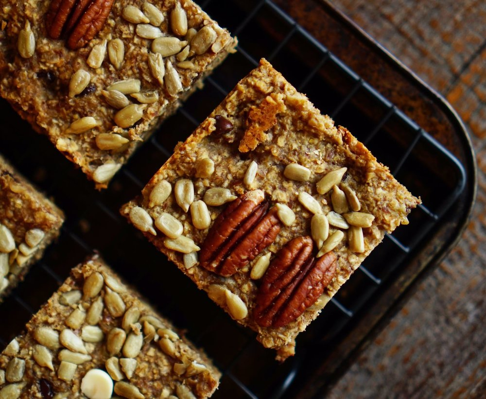 TRAINING FOOD RECIPE: BANANA BREAKFAST BARS