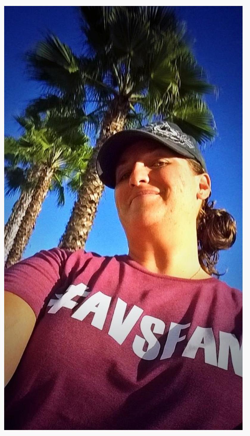 @avsnut41 rock'n the #AvsFam Burgundy somewhere in CA.