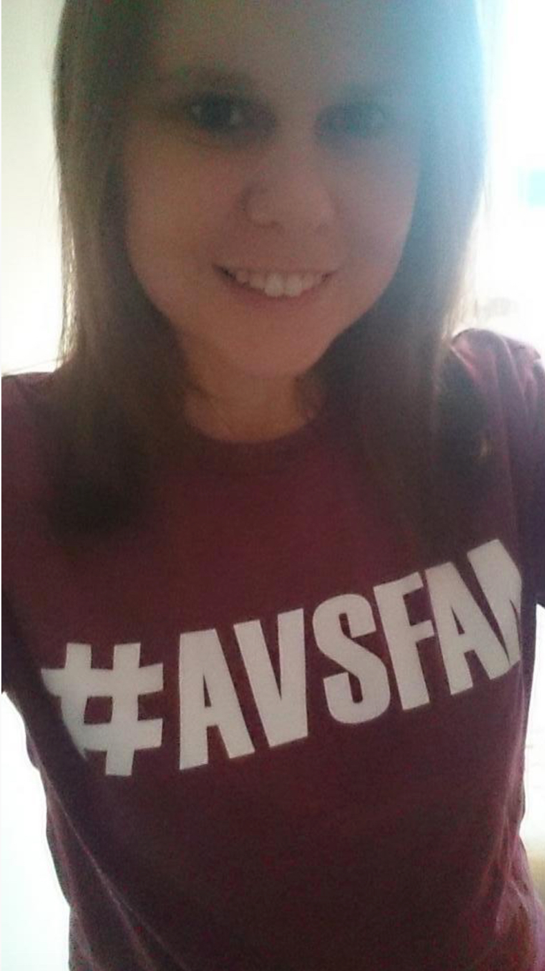 @katykoo12000 is just the sweetest things I've ever seen in an #AvsFam shirt!