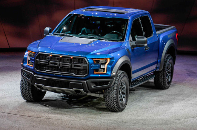 Motortrend 2017 ford raptor supercrew first look review rogue motortrend 2017 ford raptor supercrew first look review voltagebd Images