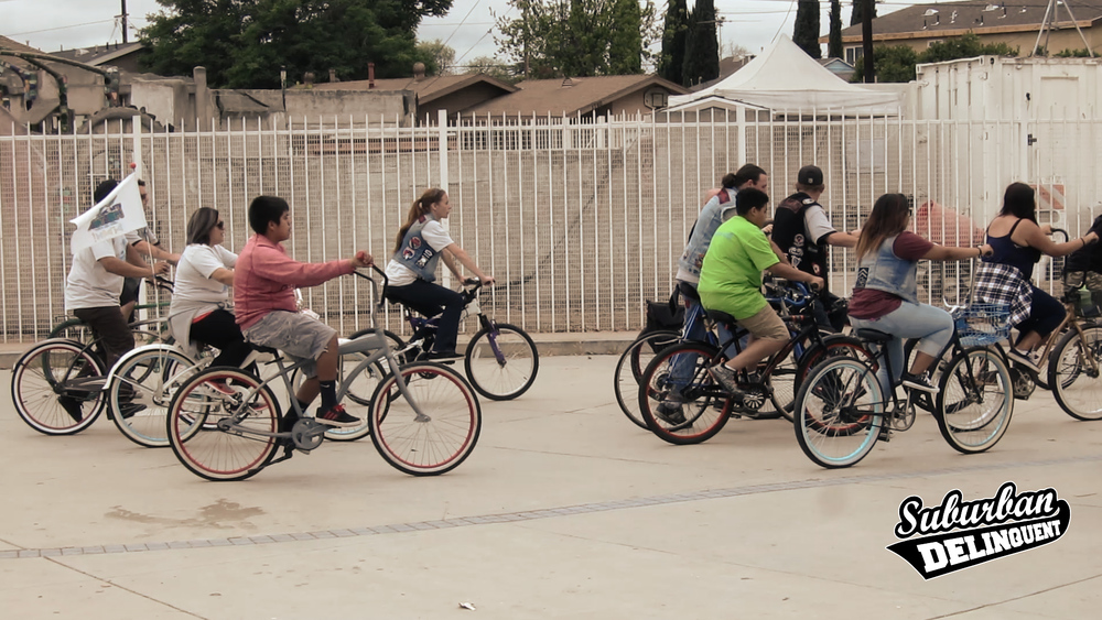 group-of-bicyclists-in-la-1.jpg
