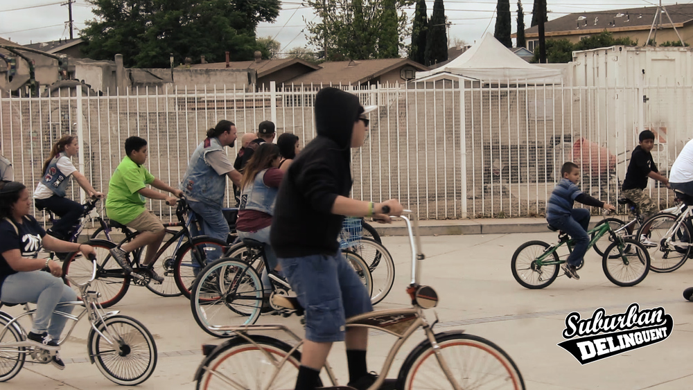 group-of-bicyclists-in-la.jpg