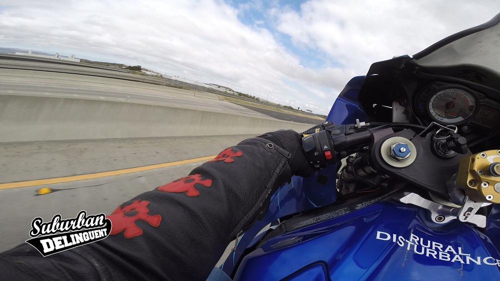 motovlogger-motovlog-wheelie.jpg