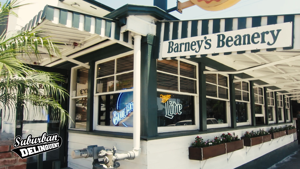 barneys-beanery-west-hollywood-sign.jpg