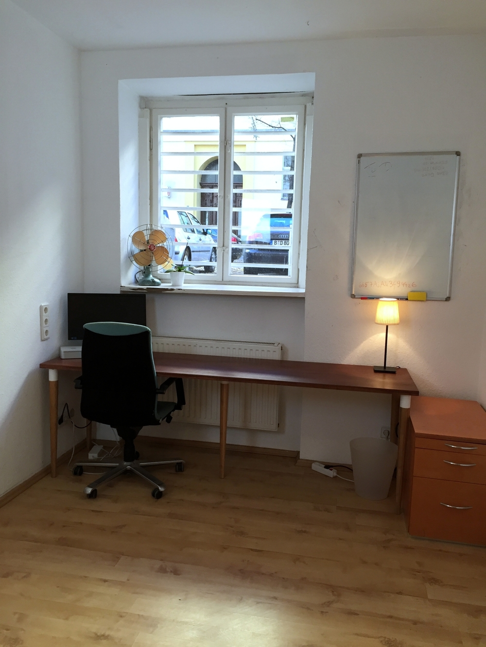 Desk/Office Space