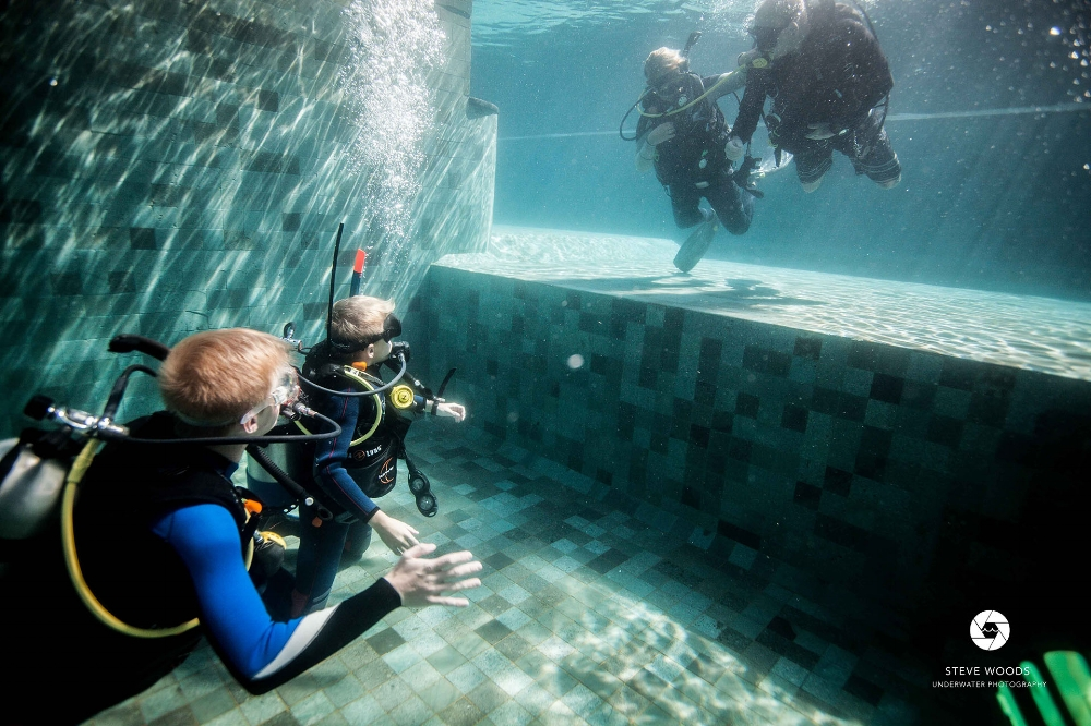 confined water training dive
