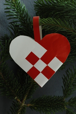 how to make danish braided christmas heart decorations