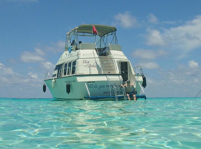 Big John at anchor at Stingray City in Grand Cayman