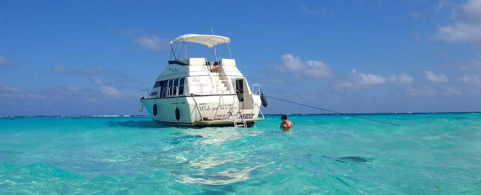 At anchor at the  Stingray City Sandbar  in Grand Cayman