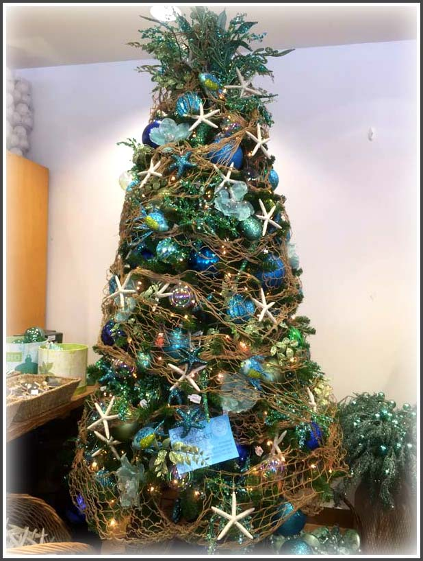 Gorgeous sea-themed-christmas tree