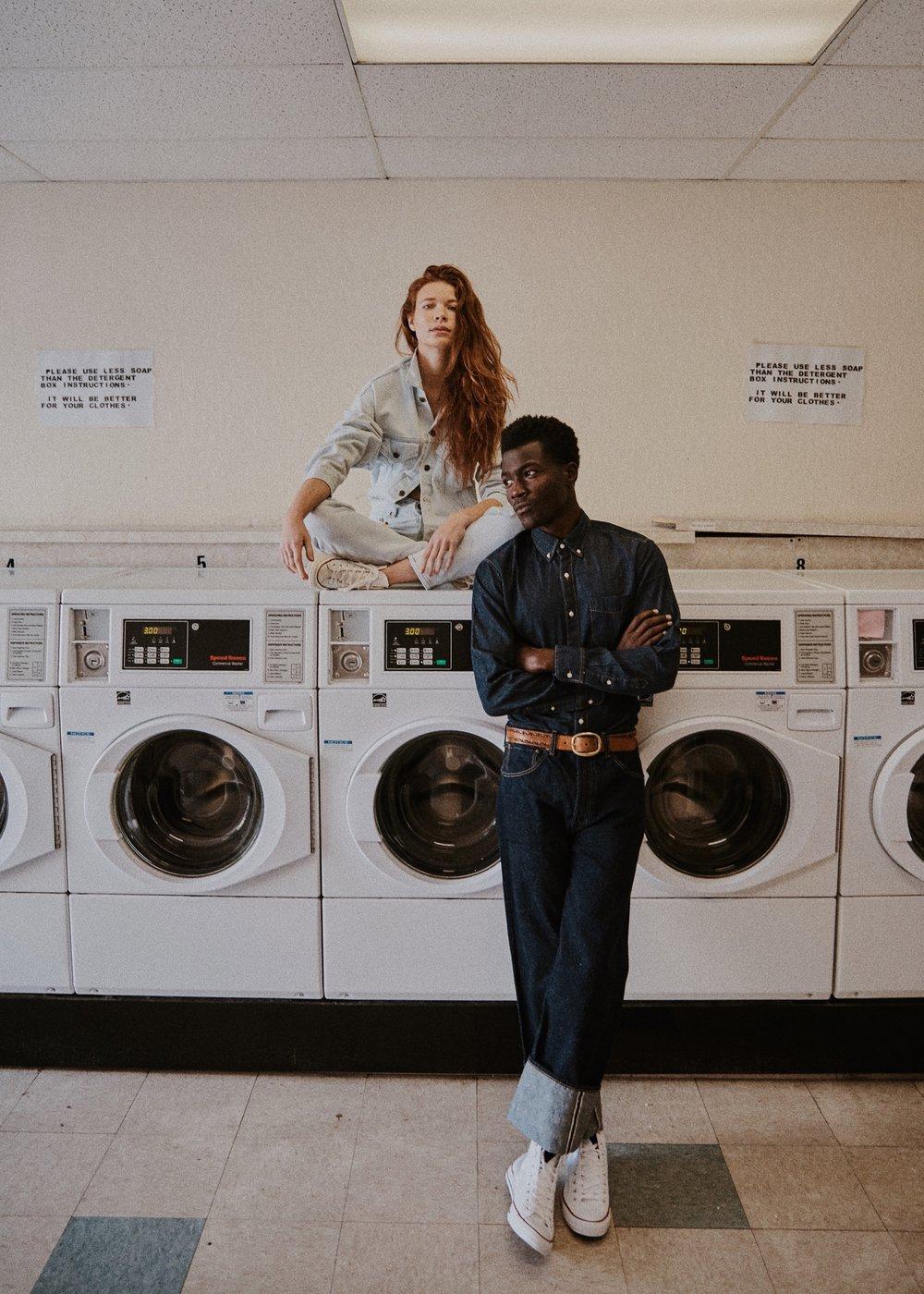 10_01_Laundromat-Arturo-Suzy-007_w.JPEG