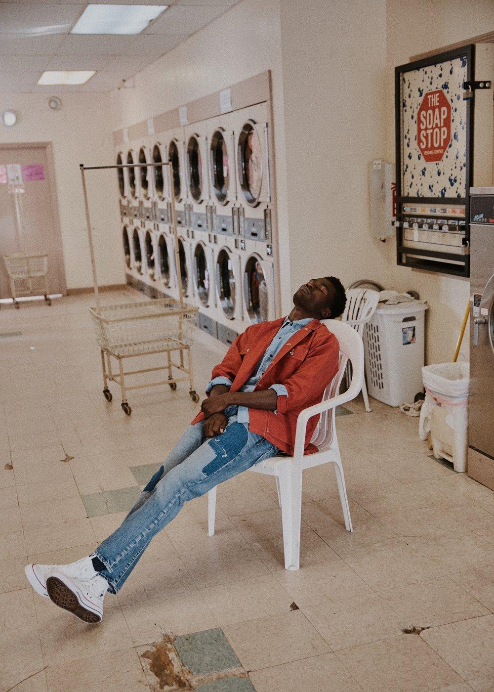10_01_Laundromat-Arturo-Suzy-014_w.JPEG