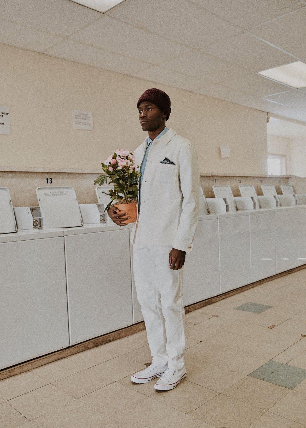 10_01_Laundromat-Arturo-Suzy-035_w.JPEG