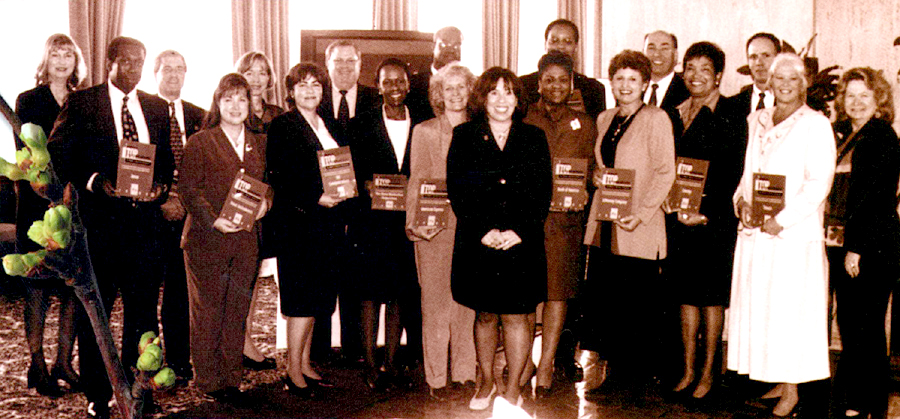 Representatives of WBENC's Top Corporations for 2000 (from left):  Alta Baker, President Safe Haven Enterprises and Chair, Women's Enterprise Leadership Forum; Dan Robinson, Xerox; Glen Mayer, UPS; Terri West, Texas Instruments; Barbara Curry, TXU; Joan Kerr, SBC Communications; Ward McCarty, Shell Oil Company; Enid Winn, Chase; William Madison, Avis Group Holdings; Nancy McCall, American Express; Susan Bari, WBENC President; Dorothy Brothers, Bank of America; Winston Smith, AT&T; Patti Hanson, JC Penney Company; Jerry Martin, PepsiCo, Inc.; Eunice Lawyer, Cinergy; Mark Lettner, Johnson & Johnson; Linda Hart, Texaco; Cheryl Thompson Draper, CEO, Warren Electric.