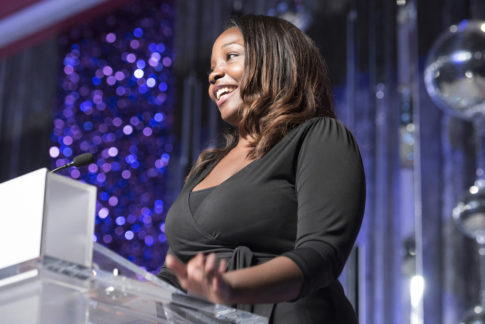 Pitch Competition winner, Fon Powell, takes the stage at the Tribute! Dinner during WBENC's 2015 National Conference & Business Fair.