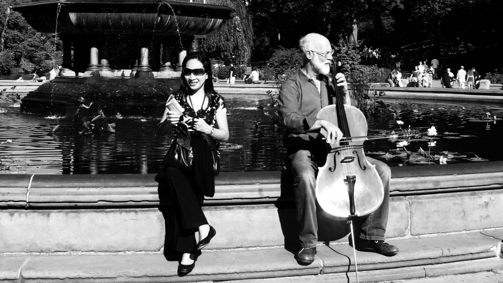 Silence  performed by Matthais Kreck, Bethesda Terrace, Central Park, 20 October 2011.
