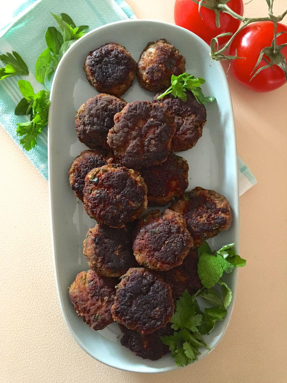 Keftedes Greek rissole recipe | Cremelifestyle.com
