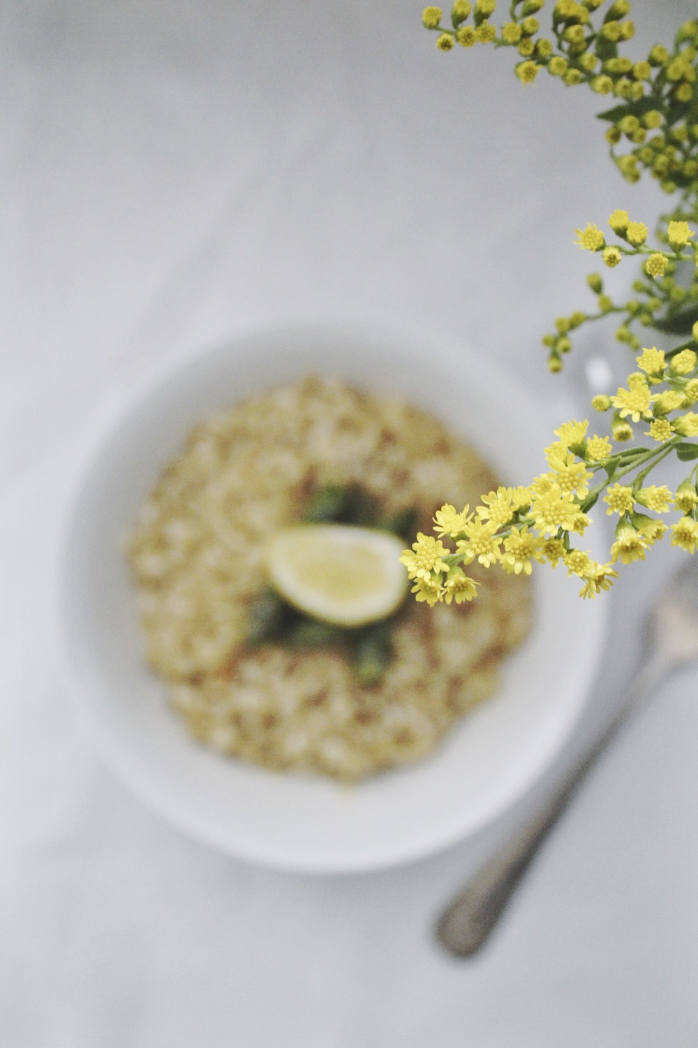 risotto with lemon and saffron and asparagus