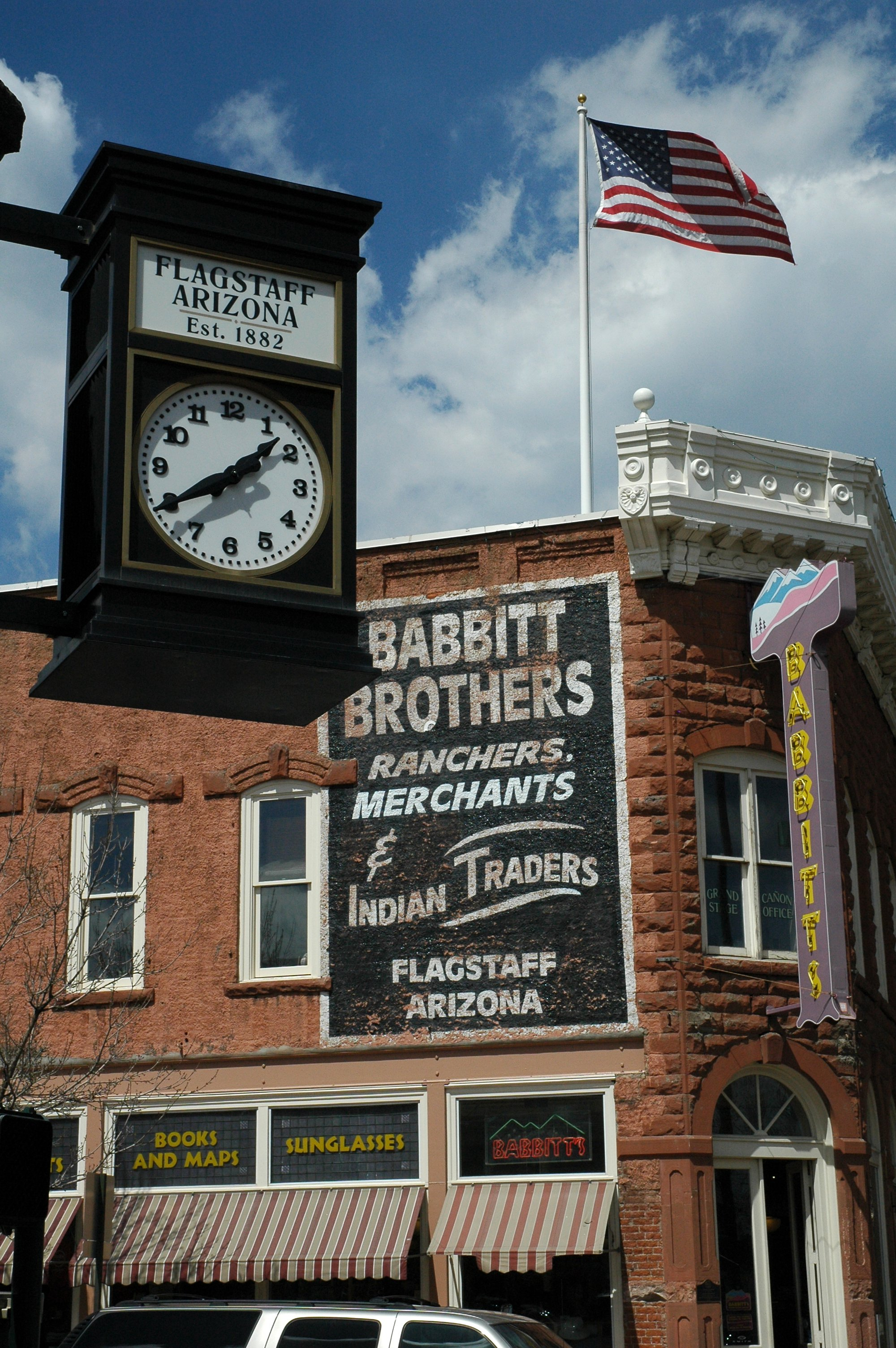 Flagstaff_Downtown_Clock_Flag