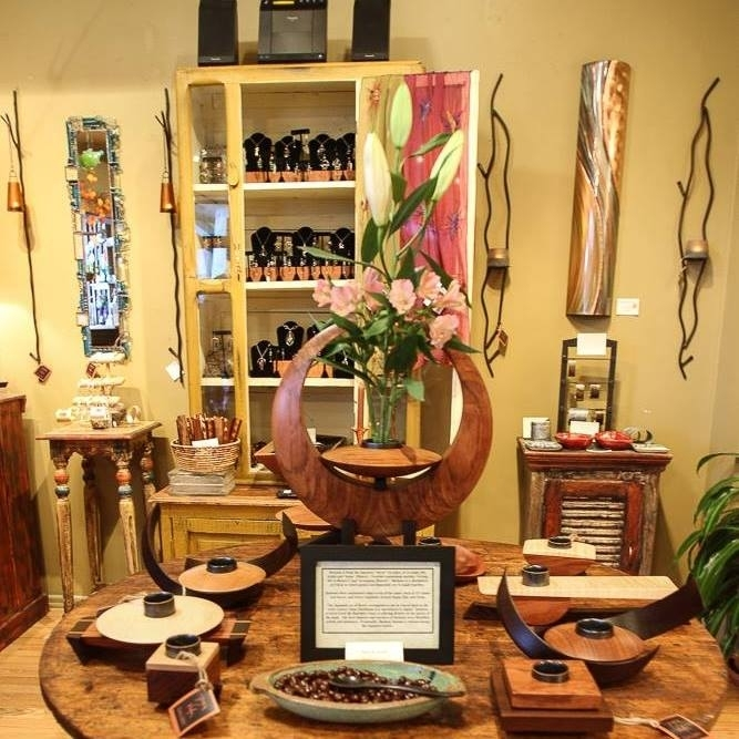 Elegant hand crafted art, lamps, glass, jewelry and wearables at Pura Vida Gallery in Jerome