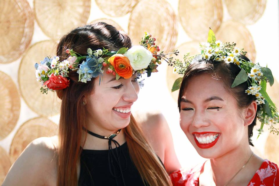 INDIGO DAYS will offer variety of creative workshops and panels, including a workshop where participants will learn to make minimalist flower crowns.