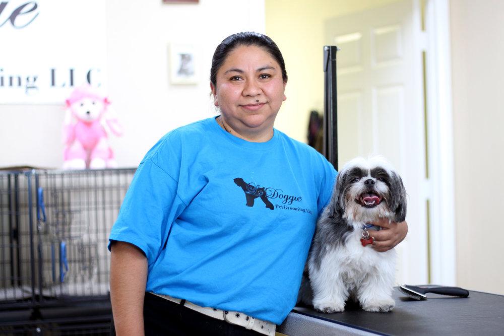 Reyna Sandoval, dueña de Le Doggie Pet Grooming y participante de la novena generación del programa Acelerador de Negocios.