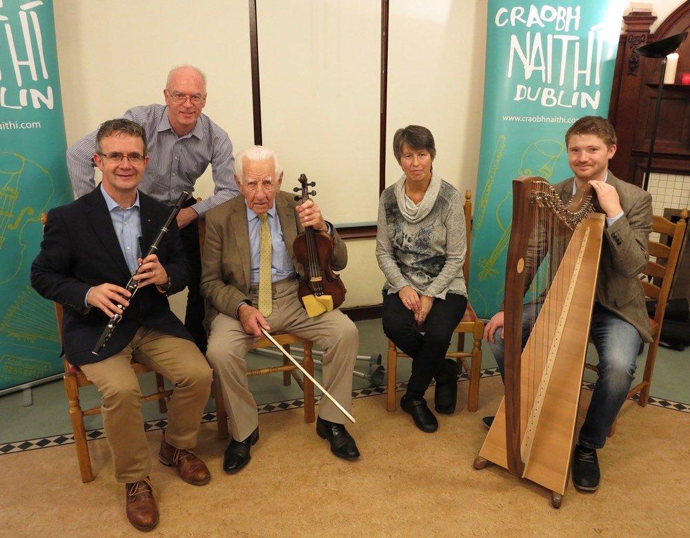 Ben with Craobh Naithí chairman Derek Johnson, Martin Gaffney, Meabh Ní Lochlainn and Oisín Morrison