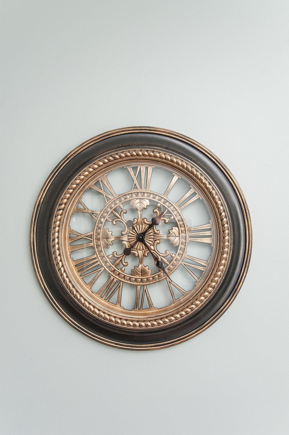 Artful Interiors – Bachelor Pad - Dining Room Clock