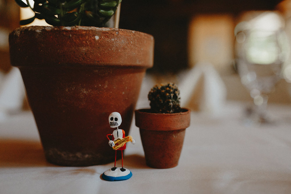 Dia De Los Muerto themed wedding details
