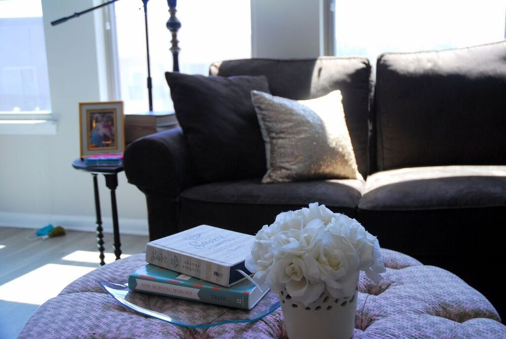 Image courtesy of The Olive Shoe Blog. Click above and follow her Creative Home Tours Series.