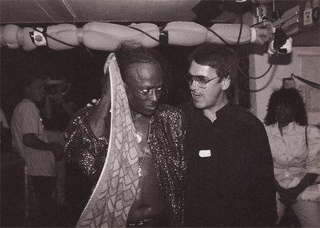Miles Davis et Claude Nobs en 1984 © Keystone