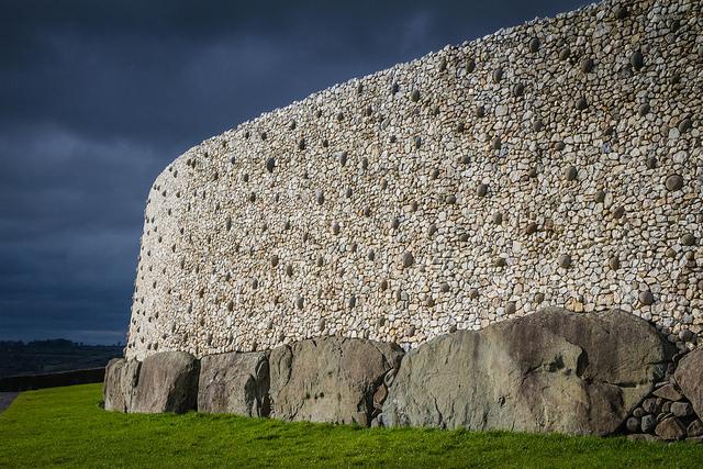 Newgrange with Kepi