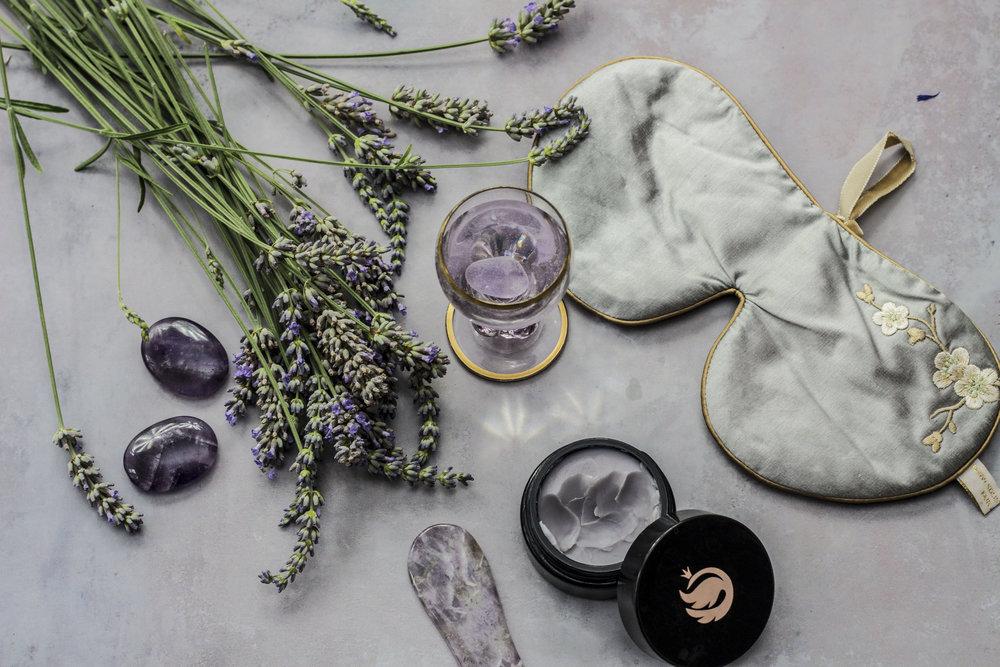 sove tips holistic silk sovemaske med lavendel