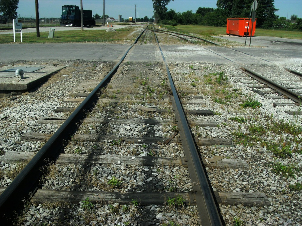 Track 4 before, looking west.jpg
