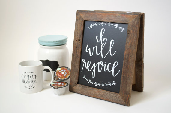 Sarah from Chalk Full of Love pairs her calligraphy beautifully with our chalkboards.