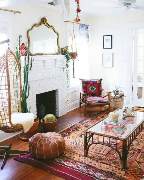 The antique mirror takes this bohemian space from simply boHo to boHo classic. Simultaneously, the surrounding plants keep the mirror from seeming too sophisticated giving the space a more relaxed vibe.
