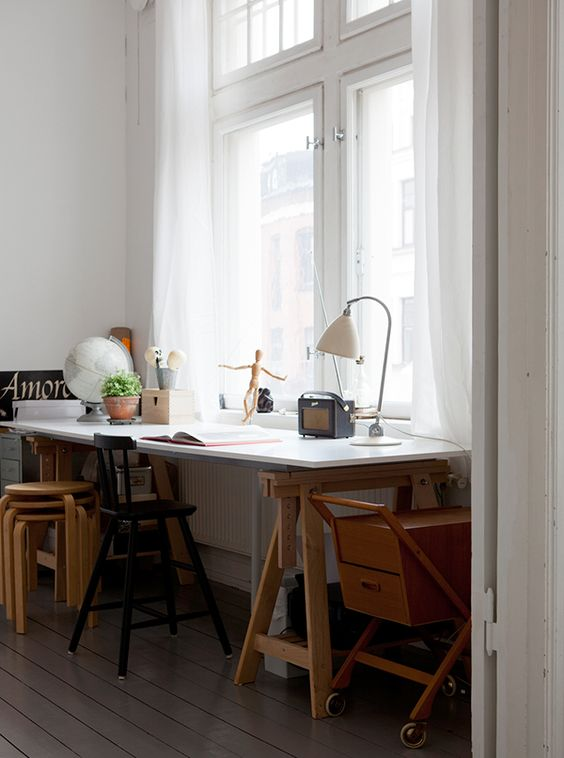 ... Position Your Work Space Closest To A Window To Get Some Light. It Will  Energize And Inspire Your Work, Especially If You Have An East Facing  Window (if ...
