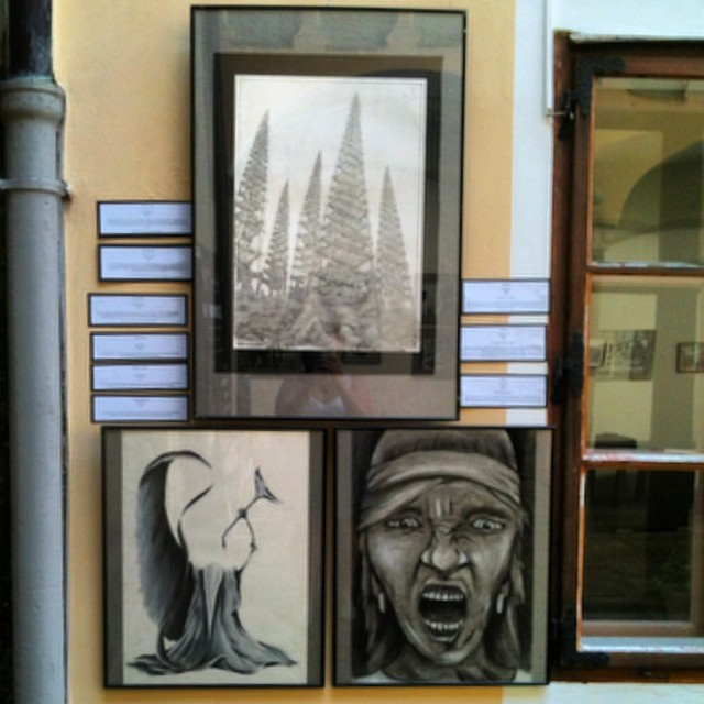 Pocketeer @dtiehen representing #pickapocketfineart with some of his drawings. Go David!!