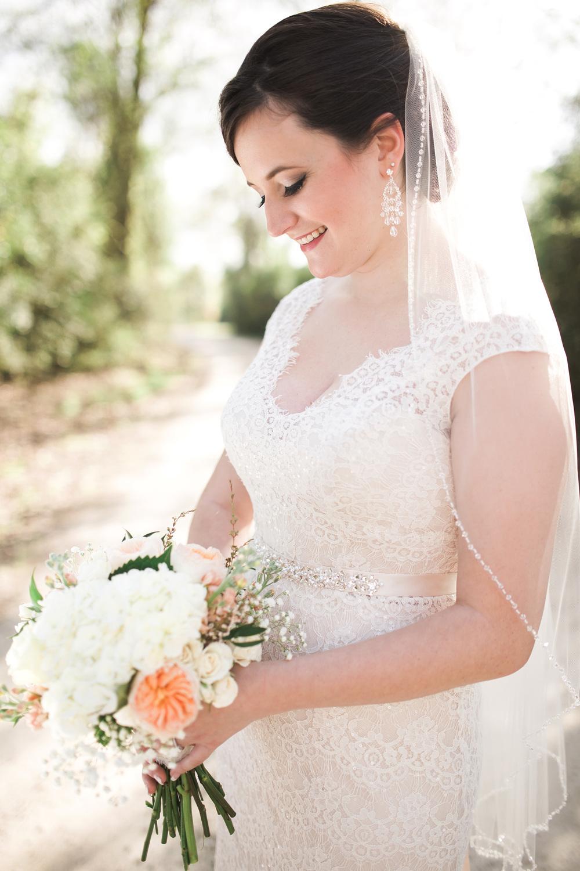 amish-barn-at-edge-bridal