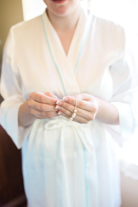 theamishbarnatedgewedding