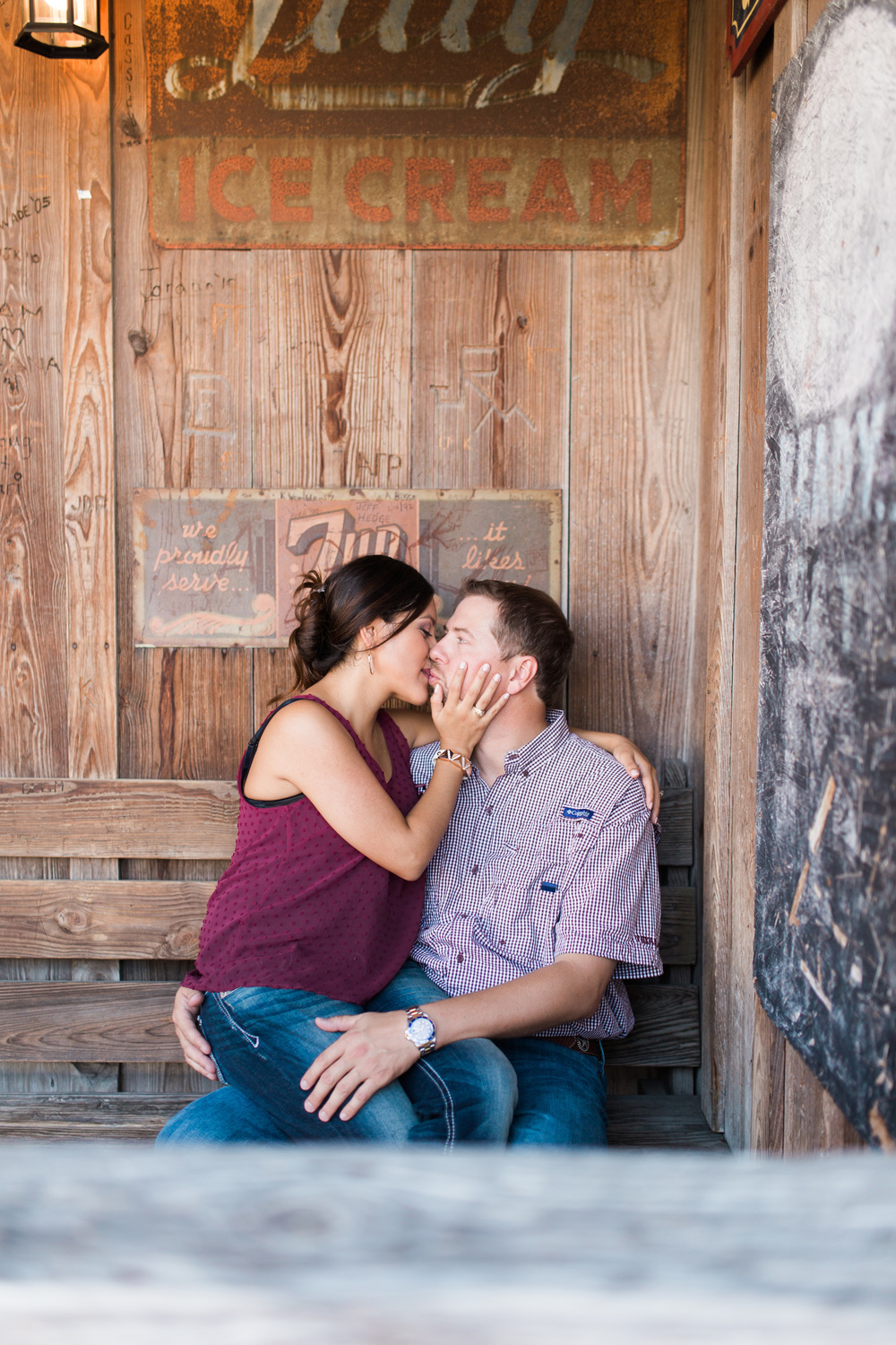 dixie-chicken-engagement-session-03