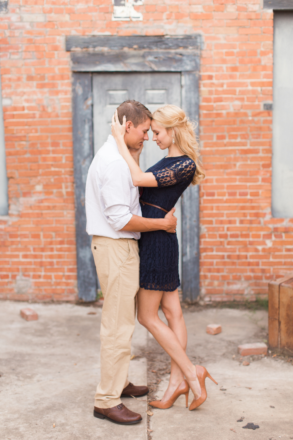 downtown-bryan-engagement-photography-10