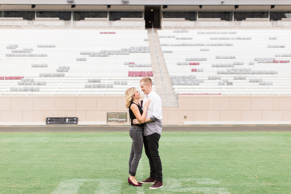 kyle-field-engagement-session-02