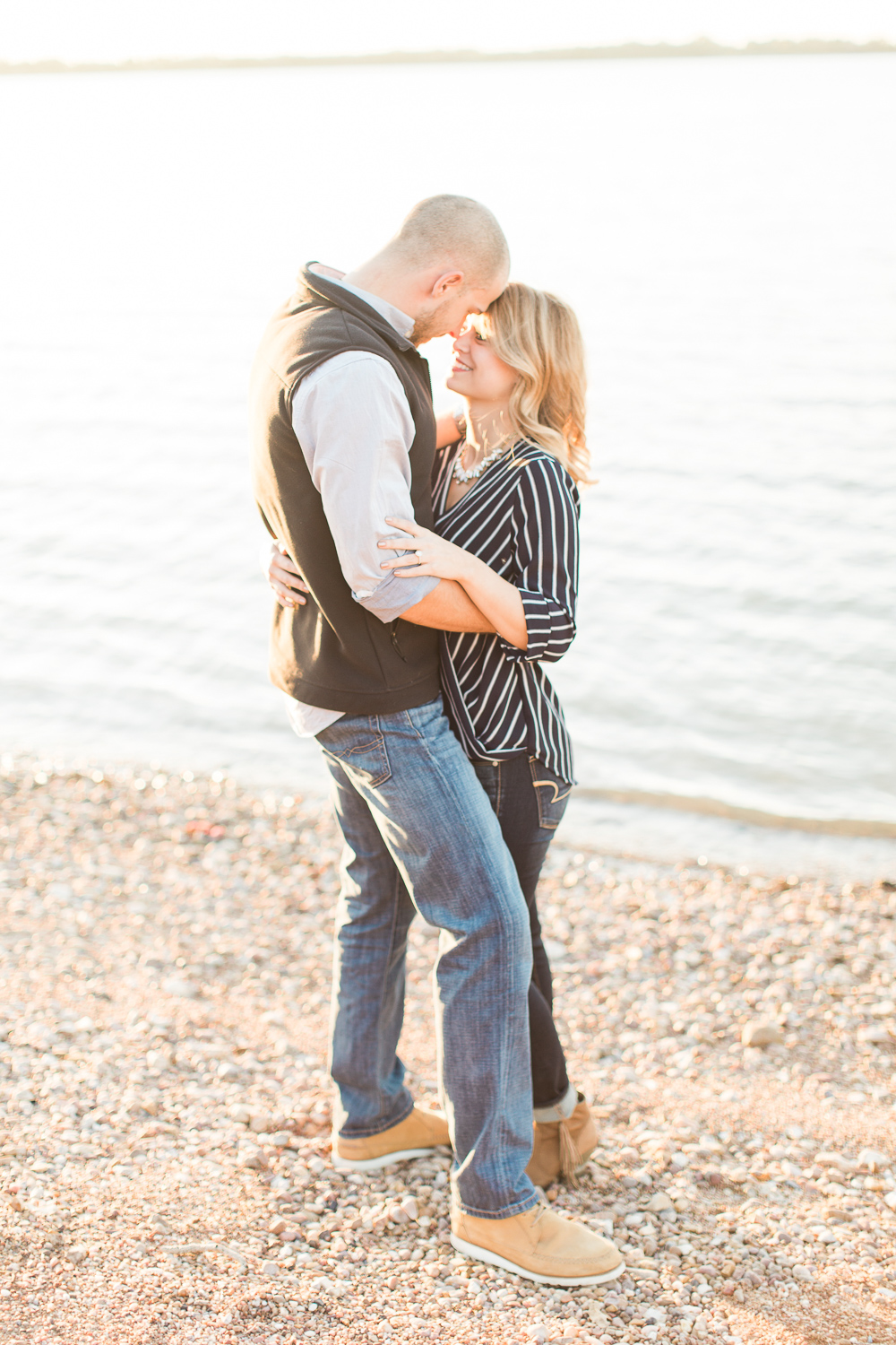 lake-bryan-engagement-session-02