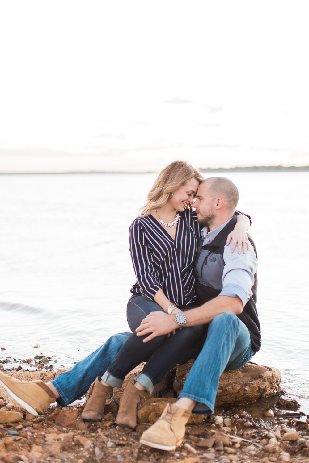 lake-bryan-engagement-session-10