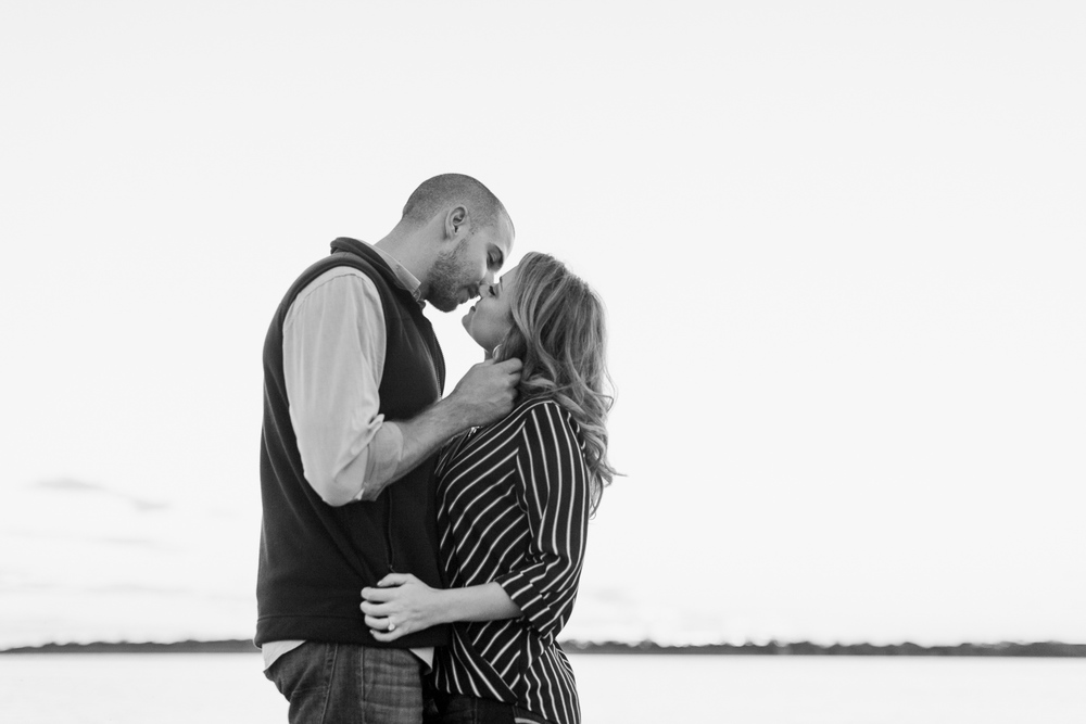 lake-bryan-engagement-session-12