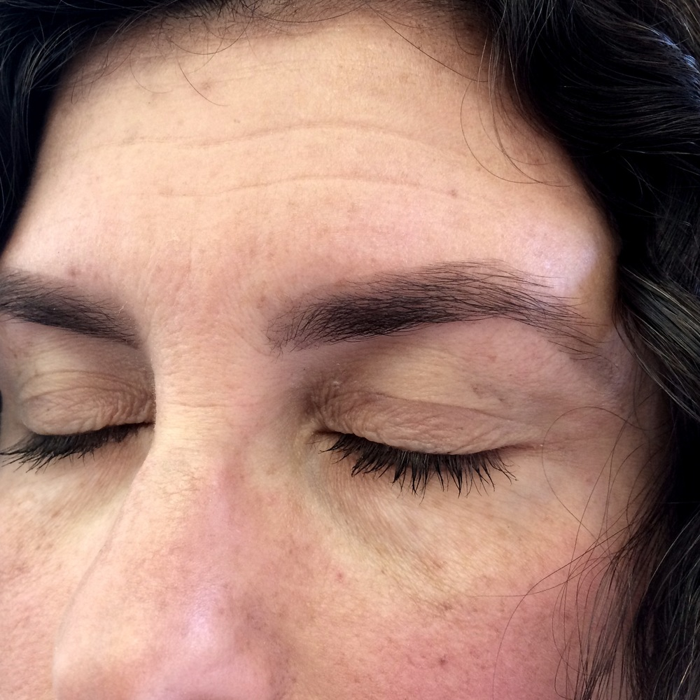 After tinting & waxing. I love how you can see even if you have sparse brows the tint fills it in for you, creating a more full brow!