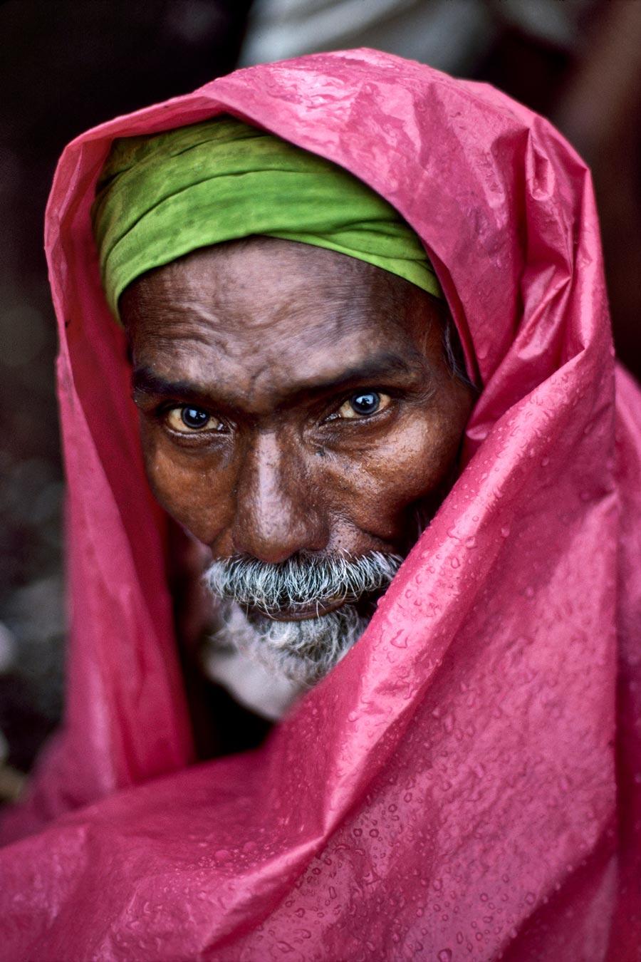 00065_10. Water Vendor, India, 1983